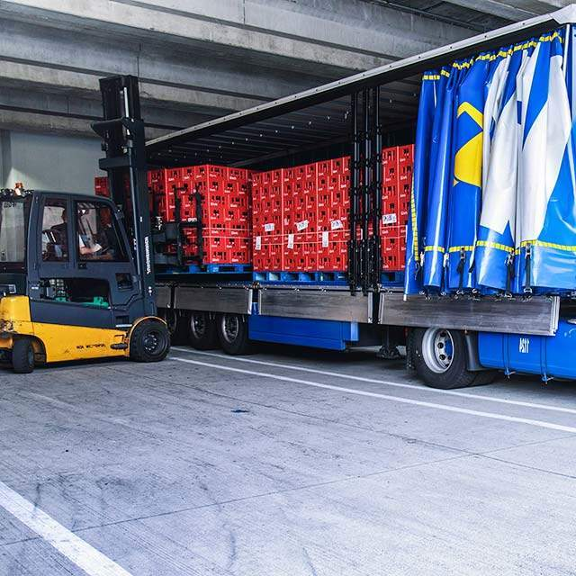 Why transport goods on a pallet?